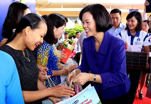 Vinamilk tiên phong mang chương trình sữa học đường đến với trẻ em Đắk Nông - Hình 5