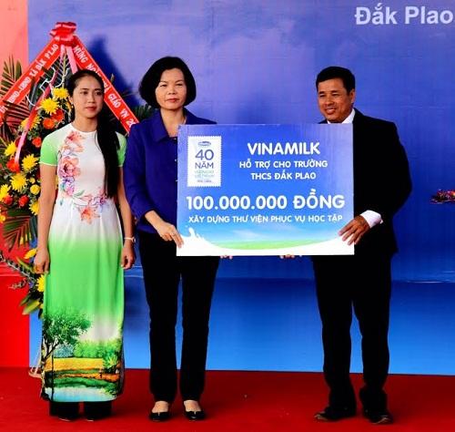 Vinamilk tiên phong mang chương trình sữa học đường đến với trẻ em Đắk Nông - Hình 6