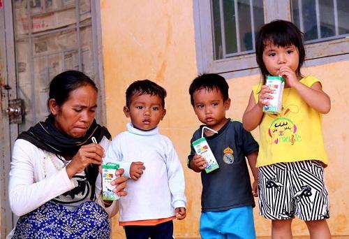 Vinamilk tiên phong mang chương trình sữa học đường đến với trẻ em Đắk Nông - Hình 12