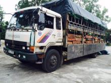 Thanh Hóa: Bắt xe chở gỗ lậu