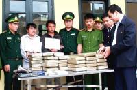 Hà Tĩnh: Phá vụ án 2 người Lào chở 60 bánh cần sa sang Việt Nam tiêu thụ
