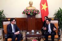 Phó Thủ tướng Phạm Bình Minh tiếp Đại sứ Campuchia