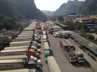 Nghịch lý xuất khẩu sang Trung Quốc: Càng tăng càng lo
