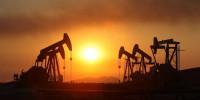 Sau phiên giao dịch cuối năm, giá dầu thế giới tăng mạnh trở lại