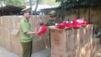 Lạng Sơn: Bắt giữ lô hàng bánh qui ngoại nhập lậu