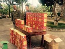 Nghệ An: Bắt hai đối tượng vận chuyển hơn 150 kg pháo nổ
