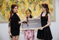 Đại gia giấu mặt chi gần 19 tỷ mua lại siêu sim của Ngọc Trinh