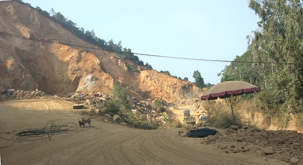 Vụ núp bóng dự án, khoét núi bán đất: UBND TP Hải Phòng yêu cầu dừng hoạt động thi công