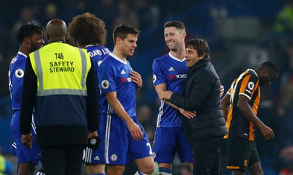 Thắng nhẹ Hull, Chelsea dẫn đầu với 8 điểm cách biệt