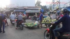 TP. Hồ Chí Minh: Họp chợ giữa ngã ba đường tại phường 17, quận Gò Vấp!