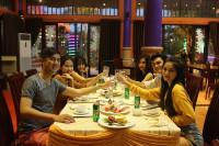 Điều đặc biệt của nhà hàng nằm giữa công viên Asia Park