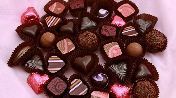 Cách phân biệt socola thật – giả cho ngày Valentine