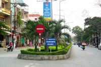 TP. Cẩm Phả (Quảng Ninh): Có nên thu phí đỗ xe ô tô lòng đường, vỉa hè?
