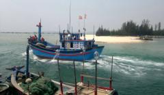 Phú Yên: Thông luồng, ngư dân đang tranh thủ ra khơi