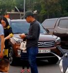 Hà Nội: Lại xuất hiện đối tượng thu tiền trông giữ xe trái phép tại Công viên Cầu Giấy