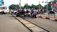 Hà Nội: Yêu cầu xử lý nghiêm vi phạm trật tự an toàn giao thông đường sắt