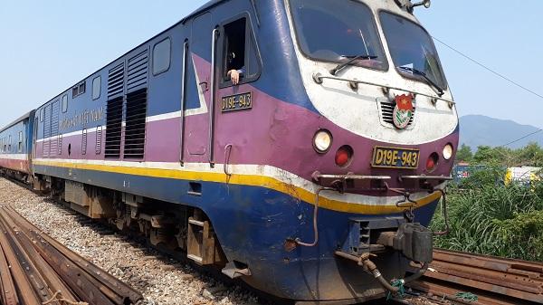 Vụ tai nạn đường sắt nghiêm trọng tại Huế: Tuyến đường sắt Bắc- Nam đã thông tuyến - Hình 1