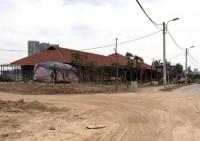"""Quận Hà Đông (Hà Nội): Hàng loạt ki ốt… """"mọc"""" trên đất DA xây dựng công viên cây xanh"""