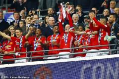 Ibrahimovic tỏa sáng, M.U lên ngôi vô địch League Cup
