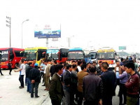 Hà Nội: Hàng trăm nhà xe lại từ chối chở khách, phản đối lệnh điều chuyển tuyến vận tải