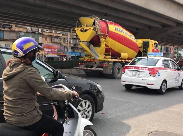 """Vụ Đội CSGT số 7 (Hà Nội) """"làm ngơ"""" cho xe tải vào phố cấm: Cần được làm rõ - Hình 1"""
