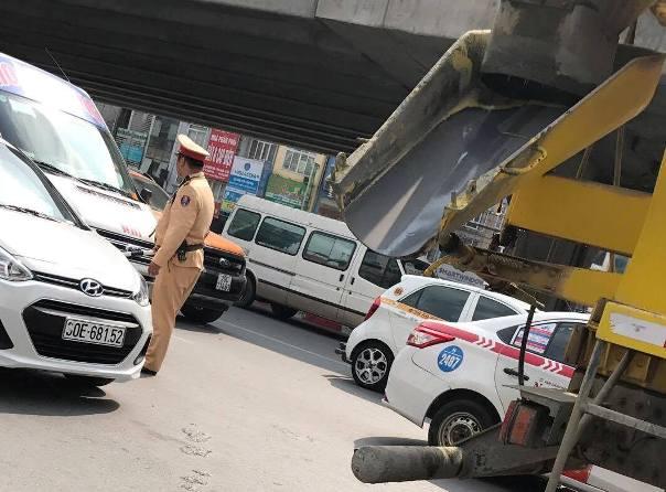 """Vụ Đội CSGT số 7 (Hà Nội) """"làm ngơ"""" cho xe tải vào phố cấm: Cần được làm rõ - Hình 2"""