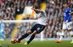 """Harry Kane lập cú đúp, Tottenham """"bắn hạ"""" Everton trên sân nhà"""