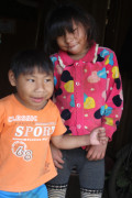 Đắk Lắk: Xót xa gia đình sinh ra 2 người con dị tật