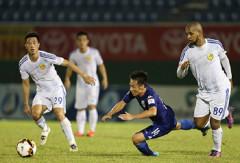 """V-League: Bàn thắng của Claudecri đẩy Bình Dương rơi xuống nhóm """"cầm đèn đỏ"""""""