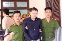 Hà Tĩnh: Hoãn phiên xét xử tài xế taxi sát hại nữ giám thị vứt xác xuống sông