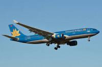 Nghỉ lễ cận kề: Các hãng hàng không đồng loạt tăng giá vé