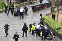 Nước Anh truy lùng thủ phạm sau vụ tấn công khủng bố