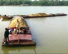 Hà Tĩnh: Tăng cường quản lý, xử lý khai thác cát trái phép trên sông