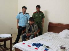 Hà Tĩnh: Đột kích khách sạn, bắt đối tượng tàng trữ 2.198 viên hồng phiến