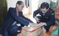 Hà Nội: Thu giữ 80 lít dấm không rõ nguồn gốc xuất xứ