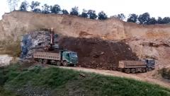 """Bỉm Sơn (Thanh Hóa): """"Đất tặc"""" hoành hành tàn phá đường dân sinh, bức tử môi trường"""