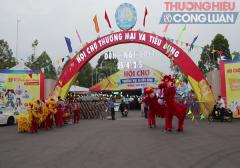 """Hội chợ Đồng Nai: Hàng """"ngoại"""" lấn át hàng Việt"""