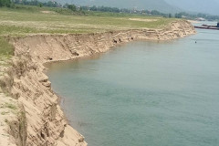"""Vụ DN khai thác cát """"tận diệt"""" sông Đà: Cơ quan chức năng tỉnh Hòa Bình có """"làm ngơ""""?"""