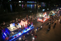 """Du khách tiếp tục """"quẩy tưng bừng"""" tại lễ hội đường phố Đà Nẵng 2017"""