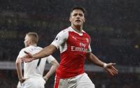 Premier League: Sanchez lập cú đúp, Arsenal tiếp tục nuôi hy vọng top 4