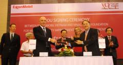 Quảng Nam: Hỗ trợ 50.000 USD mua thiết bị y tế cho các bệnh viện miền núi
