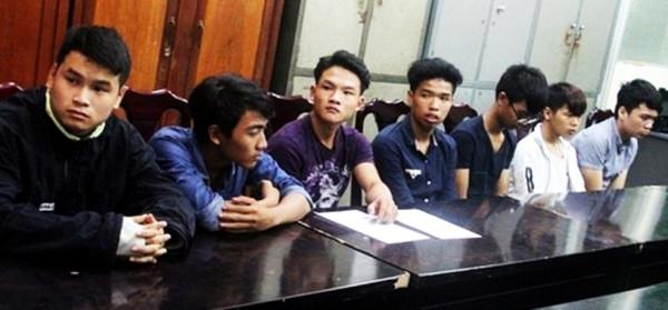 Đà Nẵng: Bắt nhóm thanh thiếu niên đập phá xe hơi