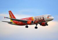 Vietjet Air khởi hành trễ 8 tiếng do vết cắt ở lốp