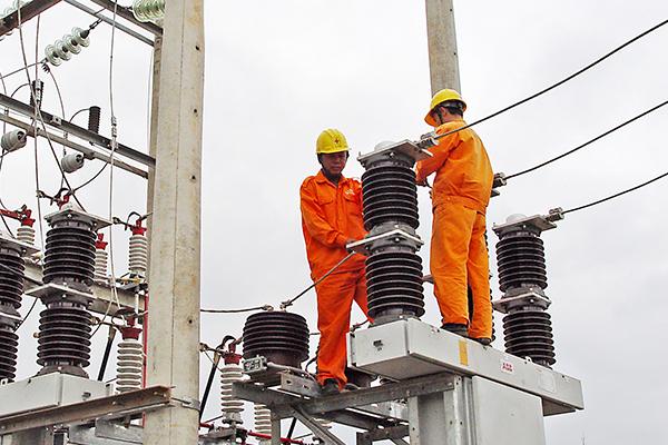 EVNNPC: Đảm bảo cung cấp điện trong các ngày nắng nóng - Hình 1
