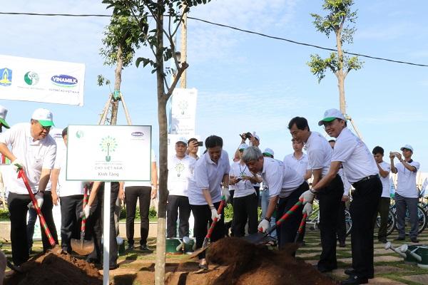 Quỹ một triệu cây xanh và Vinamilk trồng hơn 110.000 cây xanh tại Bà Rịa Vũng Tàu - Hình 5