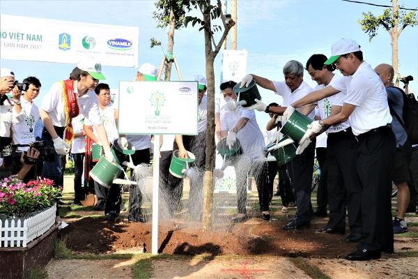 Quỹ một triệu cây xanh và Vinamilk trồng hơn 110.000 cây xanh tại Bà Rịa Vũng Tàu - Hình 6