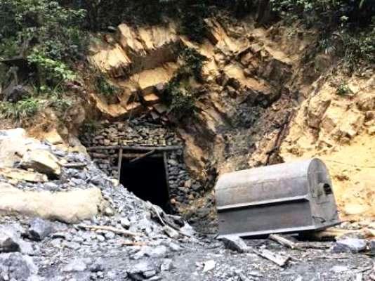 Quảng Ninh: Yêu cầu kiểm tra, rà soát việc khai thác than tại Khe Chuối (TP. Uông Bí) - Hình 1