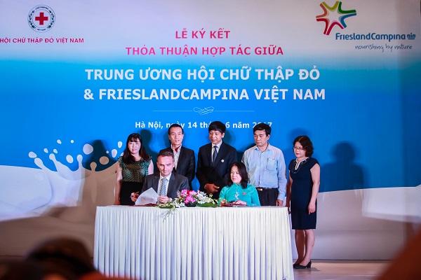 Hội chữ thập đỏ Việt Nam và Frieslandcampina Việt Nam ký kết thỏa thuận hợp tác - Hình 2