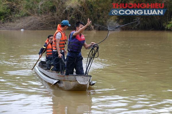 Lâm Đồng: Lật xuồng 5 người mất tích trên sông Krông Nô - Hình 1