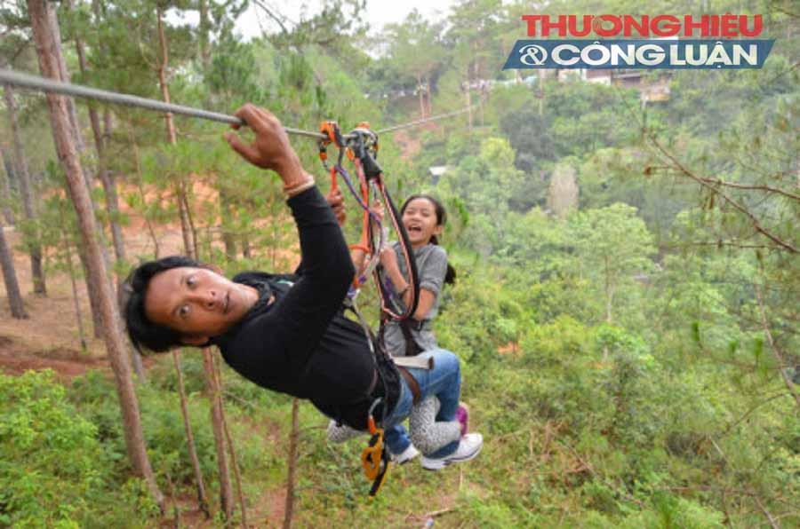 Lâm Đồng: Trao chứng nhận cho 10 đơn vị kinh doanh du lịch mạo hiểm - Hình 1